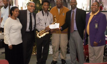 Talent Hunt Winner Receives Scholarship from Congressman Clyburn