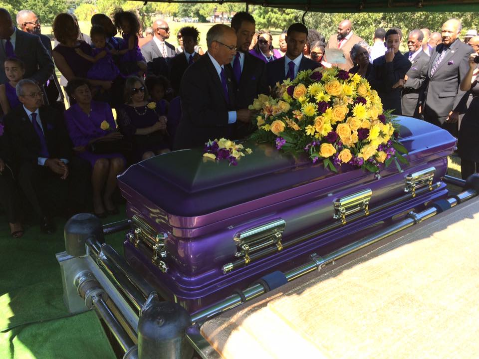 Family and friends gather for Bro. Dosh Jackson''s casket
